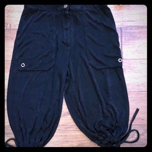 Chico's Stretchy Cropped Pants. Size 0.